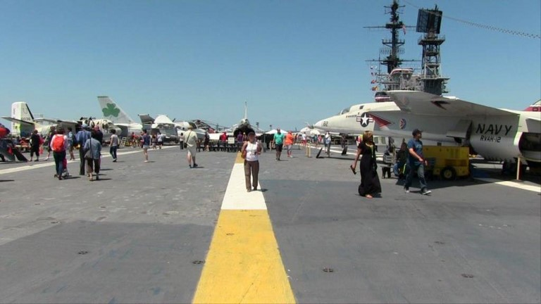 uss midway san diego le pont